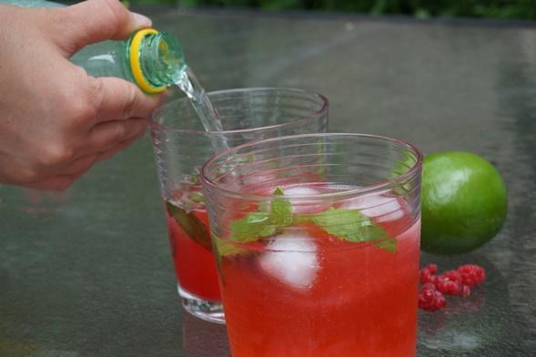 Raspberry Soda Pour