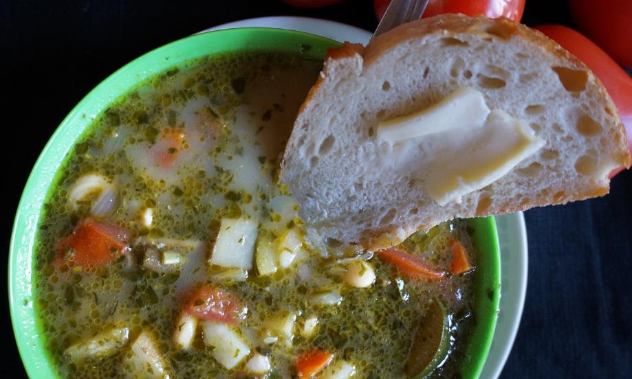 Rustic White Bean & Pesto Soup