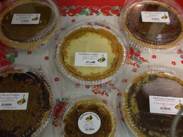 Look how proudly MyHouse pies wear their ingredients labels!