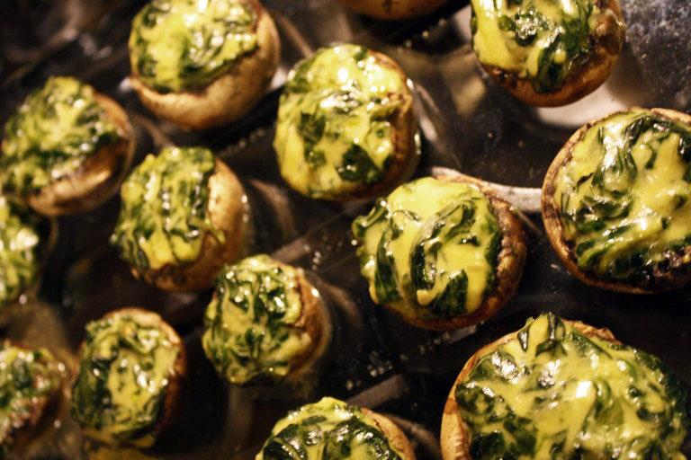 Cheesy Spinach Stuffed Mushrooms